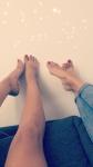 Verwöhne unsere geilen Füße!!Fuß und Geldsklaven gesucht!!